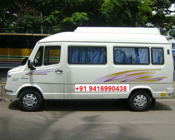 10 seater tempo traveller